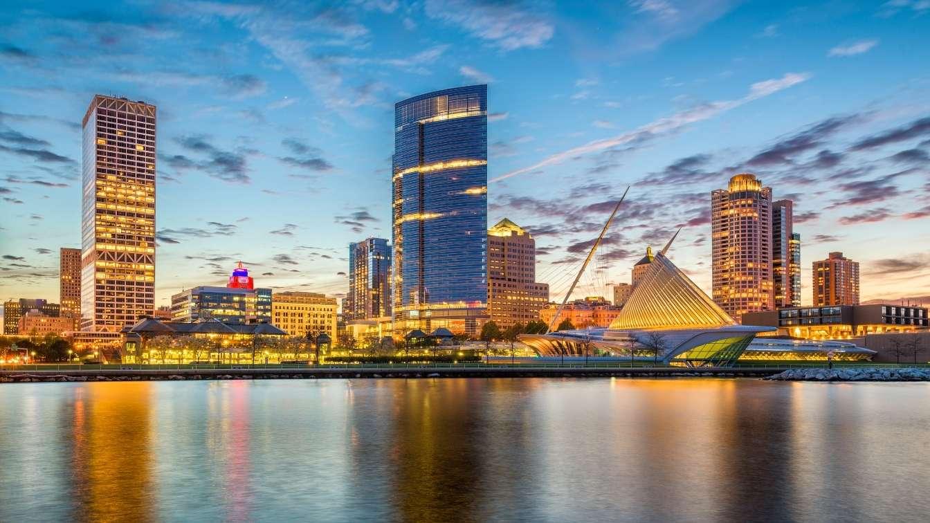 Milwaukee Wisconcin city skyline